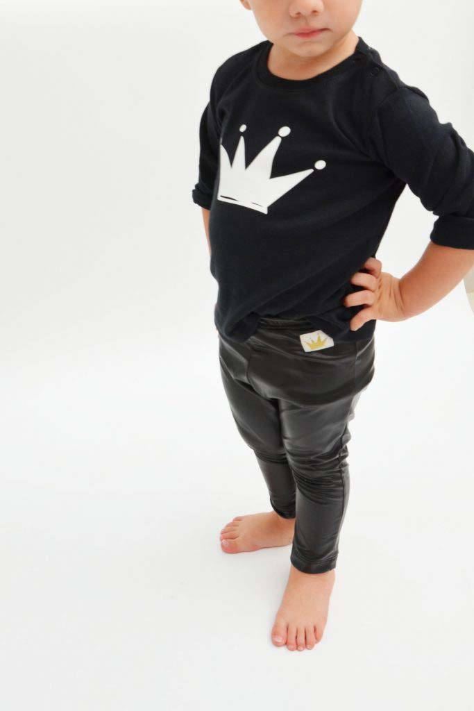 camiseta corona omho algodón orgánico unisex black and white