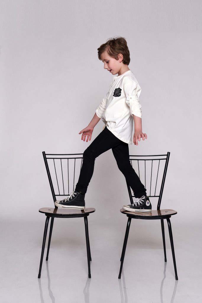 camiseta panadera flor negra algodón orgánico nino nina unisex omho