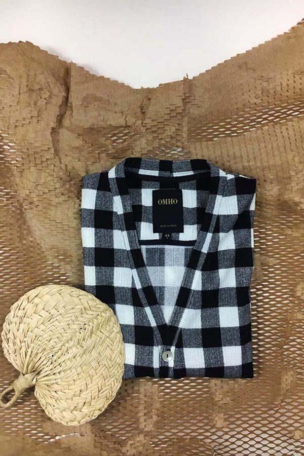 chaqueta cuadros omho unisex blanco y negro 1